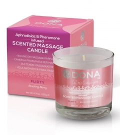 Dona - Scented Massage Candle Blushing Berry 225 ml